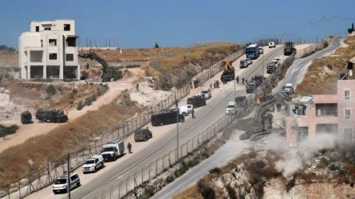 Israel hancurkan rumah warga Palestina (Foto: Reuters)