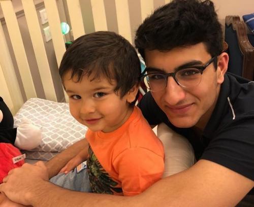 Ibrahim Ali Khan bersama sang adik, Taimur Ali Khan. (Foto: Instagram)