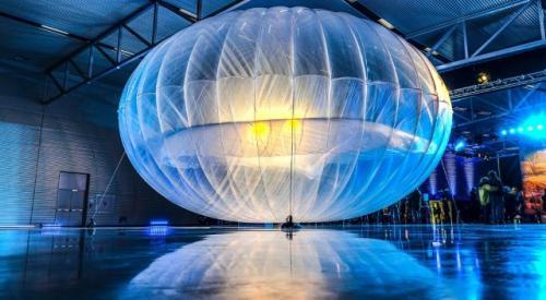 Project Loon menghadirkan sebuah balon besar yang mendukung penyebaran akses internet ke wilayah terpencil.