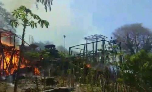 Rumah Adat Terbakar