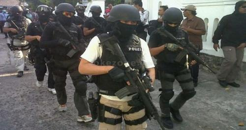 ilustrasi penangkapan terduga terorisme. (Dok Okezone)