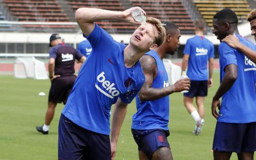 Frenkie De Jong digadang-gadang bakal jadi penerus Xavi dan Iniesta di Barcelona