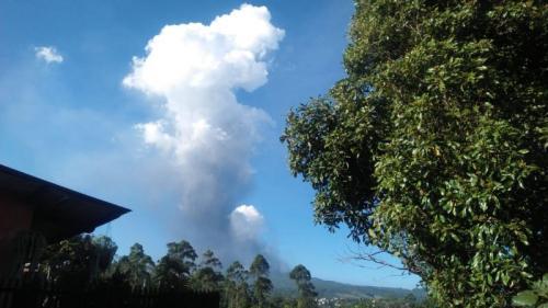 Erupsi Gunung Tangkuba Parahu (foto: PVMBG)