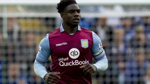 Micah Richards (Foto: Twitter/@AVFCOfficial)