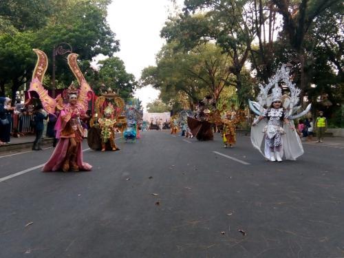 Solo Batik Carnival megah