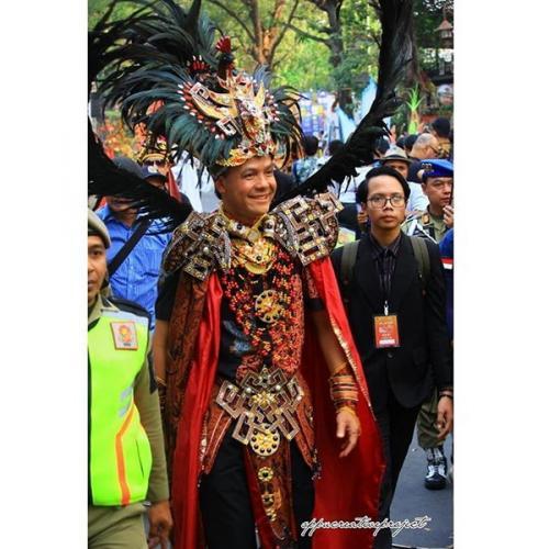 Ganjar tampil atraktif di Solo Batik Carnival