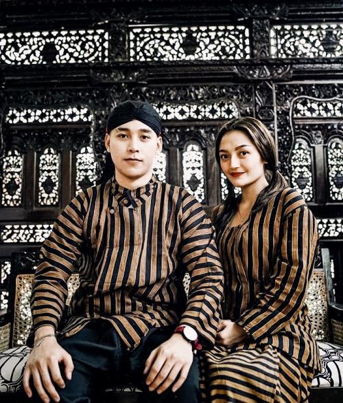 Krisjiana dan Siti Badriah
