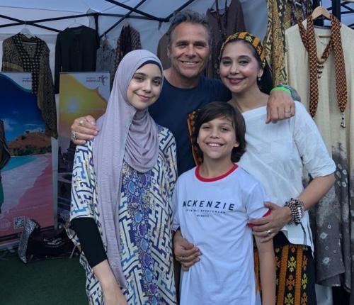 Keluarga Ayu Azhari