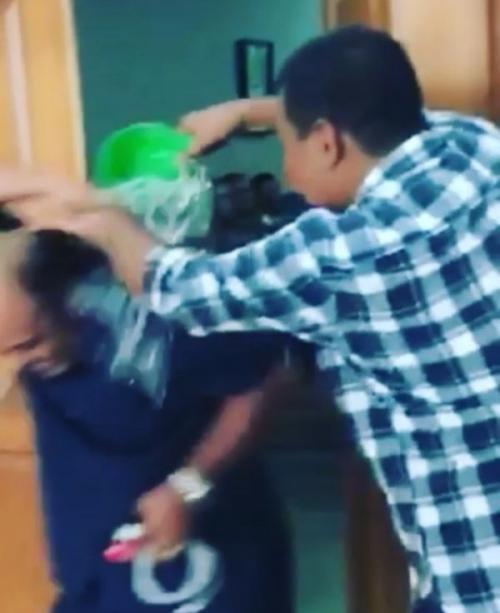 Bupati Tanjungjabung Timur Siram Wakilnya dengan Air (foto: Ist)