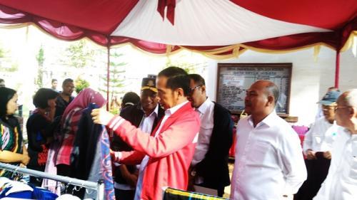 Jokowi di Tapanuli Utara. (Foto: Robert Fernando H Siregar/Okezone)