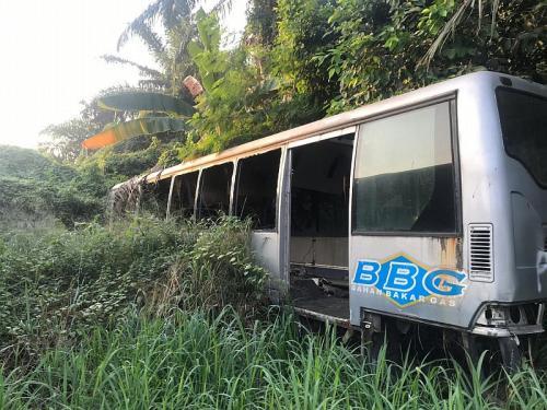 Bus Transjakarta terbengkalai di Ciputat