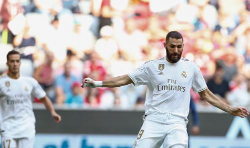 Aksi Karim Benzema saat sedang bela Madrid