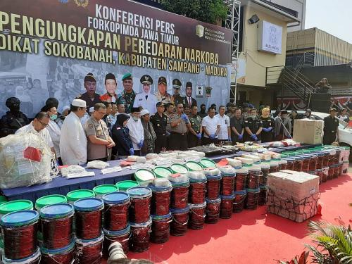 Polisi bongkar penyelundupan sabu jaringan Malaysia (Foto: Syaiful/Okezone)
