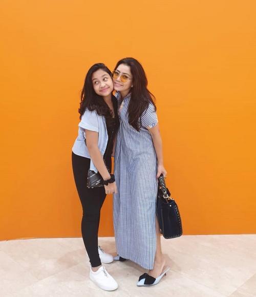 Mayangsari dan putri tunggalnya, Khirani Siti Hartina Trihatmodjo. (Foto: Instagram)
