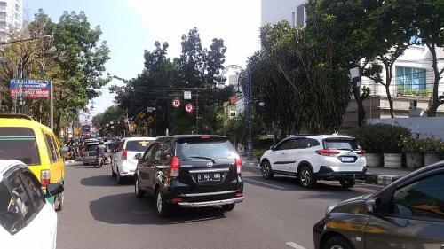 Lalin di Bandung macet imbas lampu merah mati (Foto: CDB/Okezone)