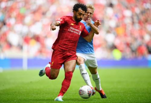 Mohamed Salah vs Oleksandr Zinchenko (Foto: Twitter/@LFC)