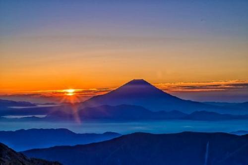 Saat naik gunung harus banyak doa