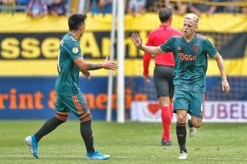 Donny van de Beek pasrah jika tetap berada di Ajax Amsterdam (Foto: Ajax Amsterdam/Twitter)