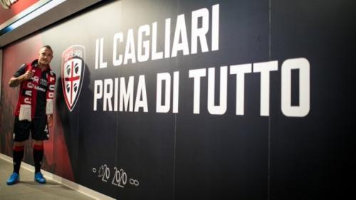 Radja Nainggolan resmi bergabung kembali dengan Cagliari