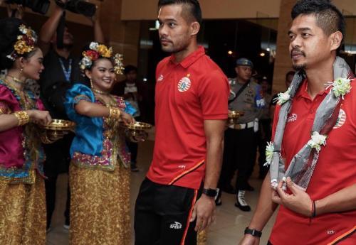 Persija Jakarta disambut bak tamu kehormatan di Makassar (Foto: Persija Jakarta/Twitter)