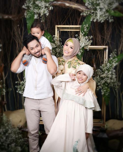 Uki Kautsar dan keluarga