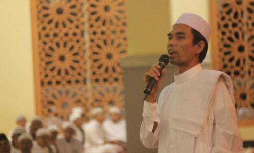 Ustadz Abdul Somad berceramah