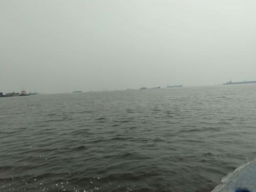 Pelabuhan Internasional Dumai Riau Diselimuti Asap Kebakaran Hutan (foto: Banda Haruddin Tanjung/Okezone)