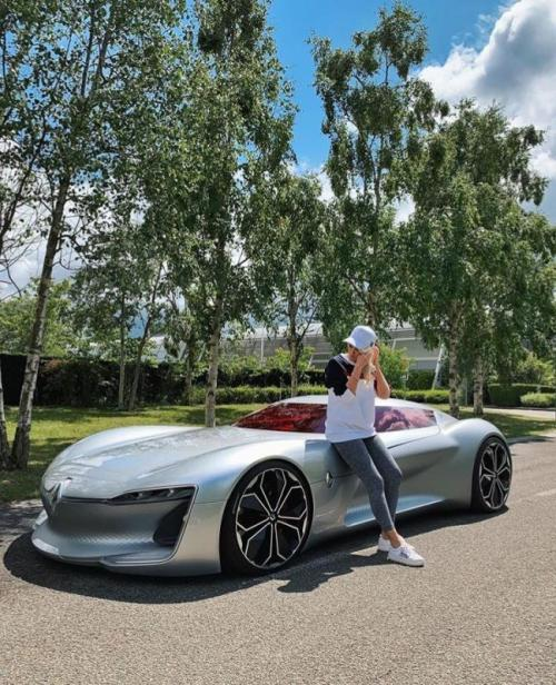 Supercar Blondie Reckons She S Found The Most Beautiful: Supercars Gallery: Supercar Blondie Renault Trezor