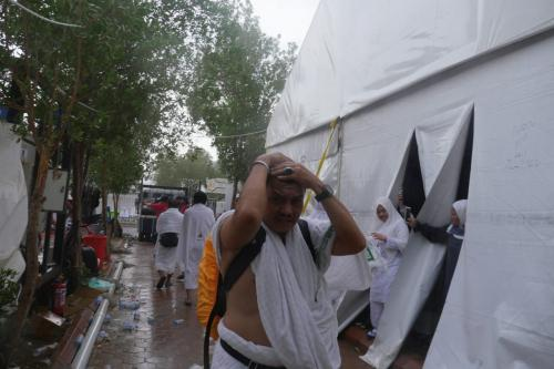 Padang Arafah hujan