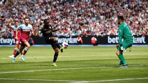 Raheem Sterling mengemas hattrick (Foto: Premier League)