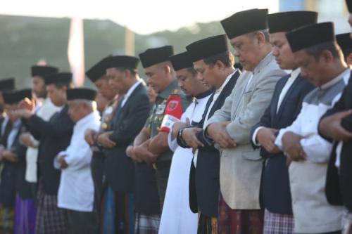 Wapres JK Salat Idul Adha 1440 H di Lapangan Karebosi, Makassar, Sulsel (foto: Herman A/Okezone)
