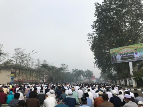 Salah Idul Adha 1440 H di Pontianak, Kalbar Diselimuti Kabut Asap (foto: Dina P/Okezone)