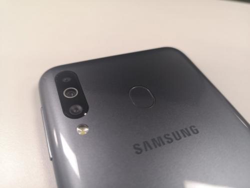 Galaxy M30 Usung Baterai 5000 mAh dan USB Type C