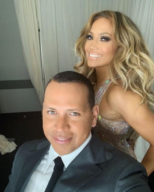 Alex Rodriguez mendukung karier Jennifer Lopez dengan selalu berada di sampingnya. (Foto: Instagram)