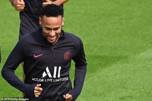 Neymar bertahan di PSG