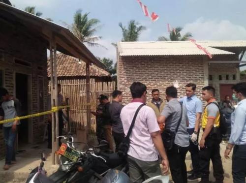 Lokasi pembunuhan satu keluarga di Serang, Banten. (Foto: Rasyid Ridho/Okezone)