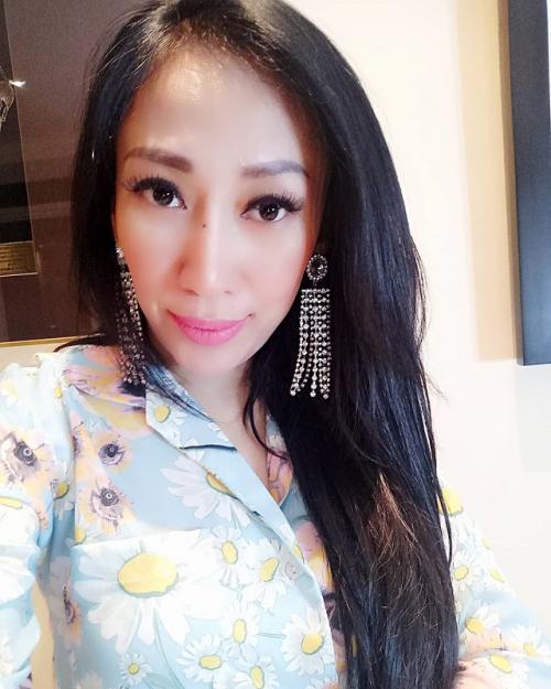 Dewi Sanca akhirnya membongkar identitas pria yang menghamilinya. (Foto: Instagram)