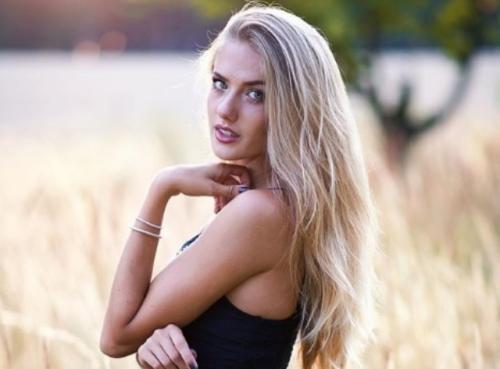 p03aa5qkcnpsvww35tgi 20482 - 5 Pose Seksi dan Cantik Alica Schmidt, Atlet Lari Andalan Jerman