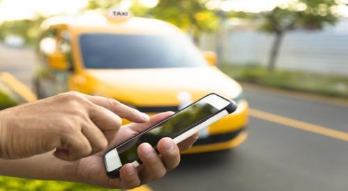 Ilustrasi taksi online (Foto: Shutterstock)