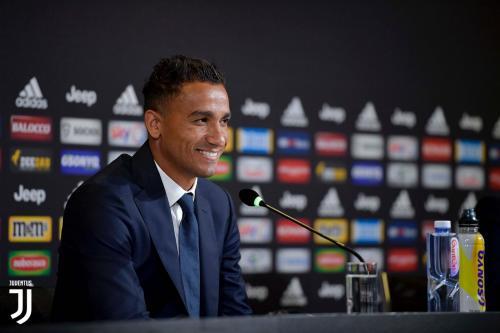 Danilo resmi gabung Juventus