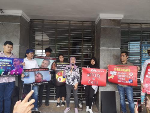 Dara Nasution dan koalisi masyarakat sipil mengunjungi kantor Komisi Penyiaran Indonesia (KPI) di Jakarta Pusat pada hari ini.