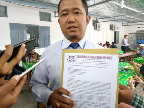 Kuasa hukum LP3HI Sigit Sudibyo di PN Solo (foto: Bramantyo/Okezone)