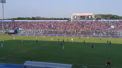 Arema FC vs Persebaya (Foto: Avirista)