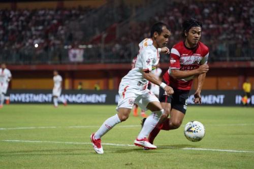 Suasana laga Madura United vs Persija