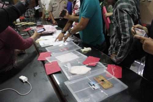 Pria Asal Magetan Ditangkap Polisi karena Jajakan Istri Layani Seks Threesome dengan Tarif Rp1 Juta (foto: Syaiful Islam/Okezone)