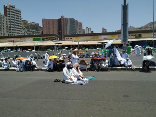 Masjidil Haram Sangat Padat, Jamaah Haji Salat Jumat di Terminal Syib Amir. (Foto : Febriyanto/MCH)