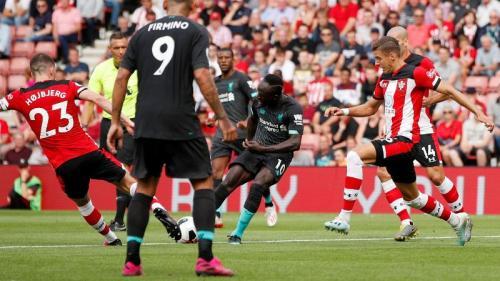 Sadio Mane membawa Liverpool unggul di babak pertama (Foto: Premier League)