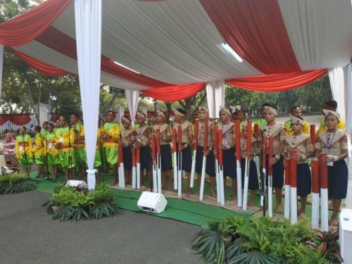 Pertunjukan Musik Bambu Hitada dari Morotai, Maluku di HUT Ke-74 RI di Istana Kemerdekaan (foto: Fakhrizal/Okezone)