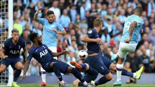 Suasana laga Man City vs Tottenham Hotspur