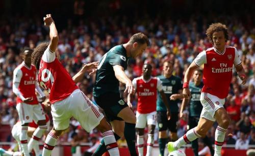 Laga Arsenal vs Burnley